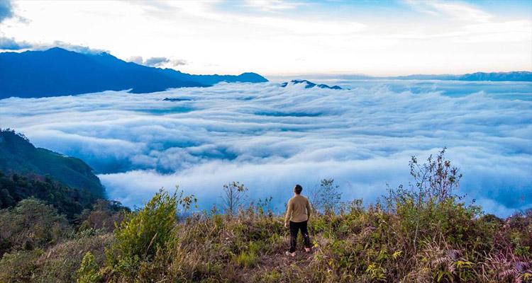 Y Tý - Mùa của những đám mây lững lờ trôi