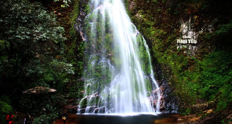 Du lịch Sapa qua 7 địa điểm - thác tình yêu