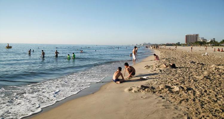Bãi biển Mỹ Khê 02