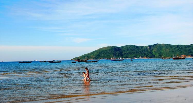 Các địa điểm tham quan gần Vịnh biển Lăng Cô