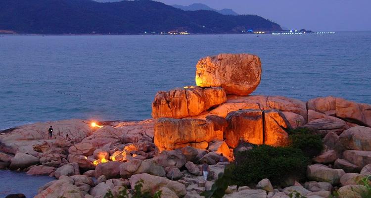 Biển Nha Trang - Hon Chồng