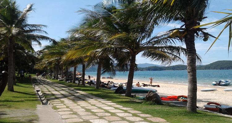 Biển Nha Trang - hòn tằm