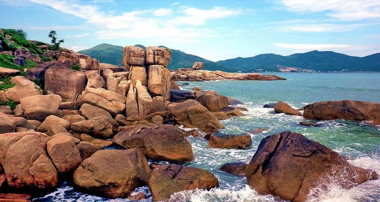 Biển Nha Trang - Bãi Hòn Chồng
