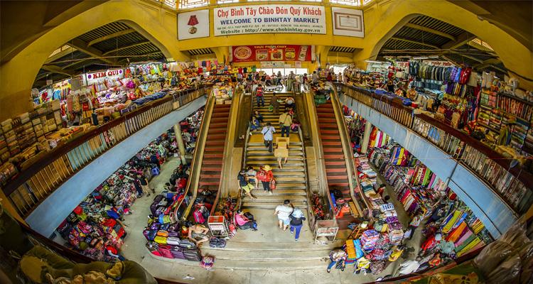 Chợ Bình Tây là một trong những ngôi chợ đầu mối sầm uất nhất Sài Gòn