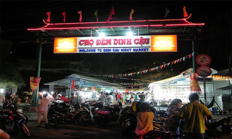 Chợ đêm Phú Quốc - chợ dinh cậu