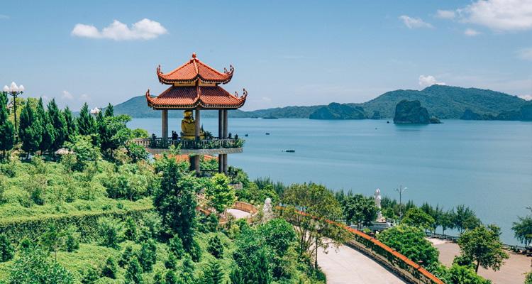 Chùa Cái Bầu Quảng Ninh 03
