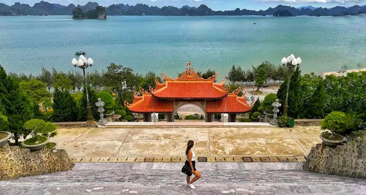 Chùa Cái Bầu Quảng Ninh 05