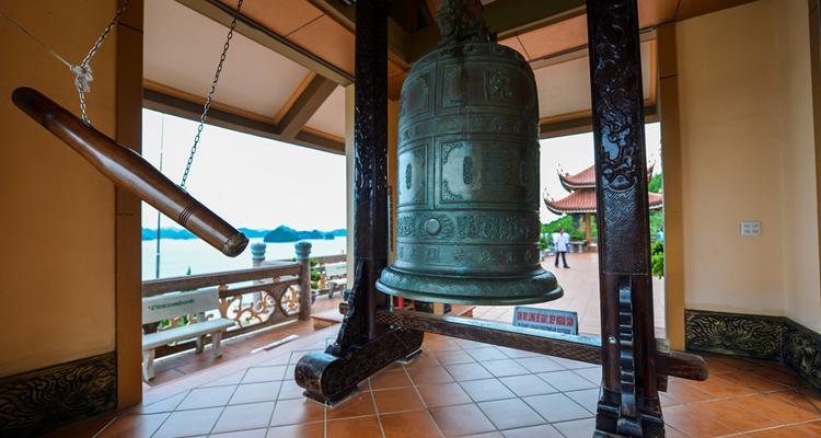 Chùa Cái Bầu Quảng Ninh 08