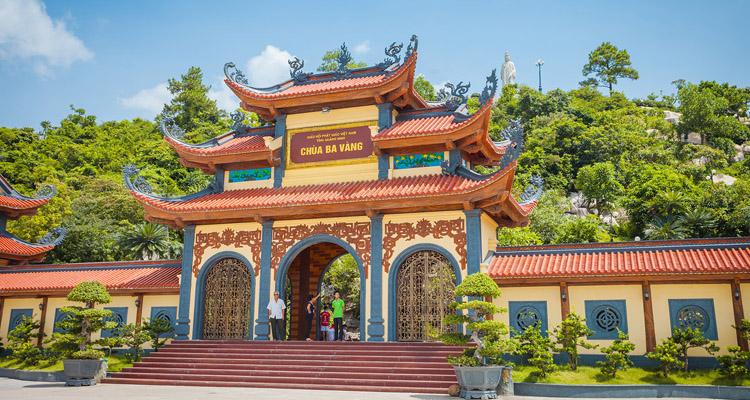 Chùa Cái Bầu Quảng Ninh 11