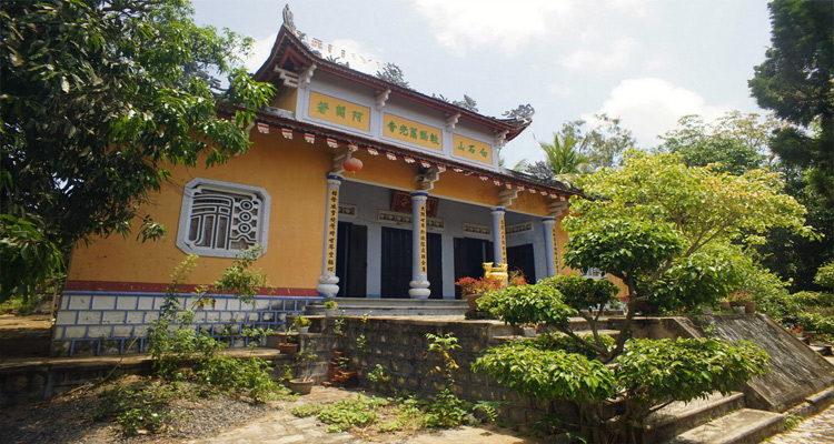 chùa cổ thạch 1