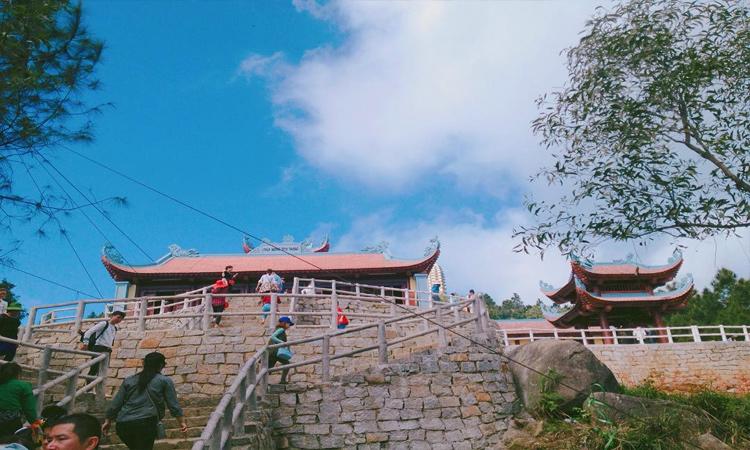 Chùa Hương Tích - lên chùa