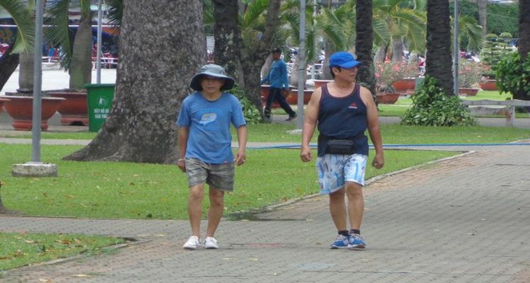 Tập thể dục, tận hưởng không khí trong lành ở công viên Gia Định