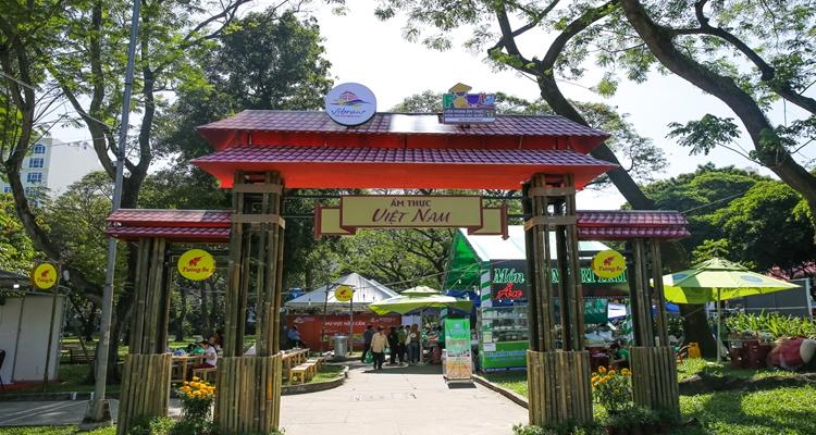 Công viên Lê Văn Tám - ẩm thực