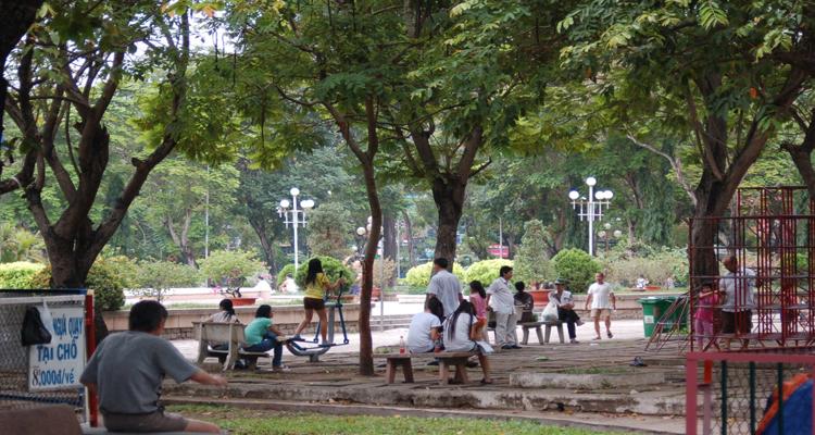 Công viên Lê Văn Tám - cây xanh