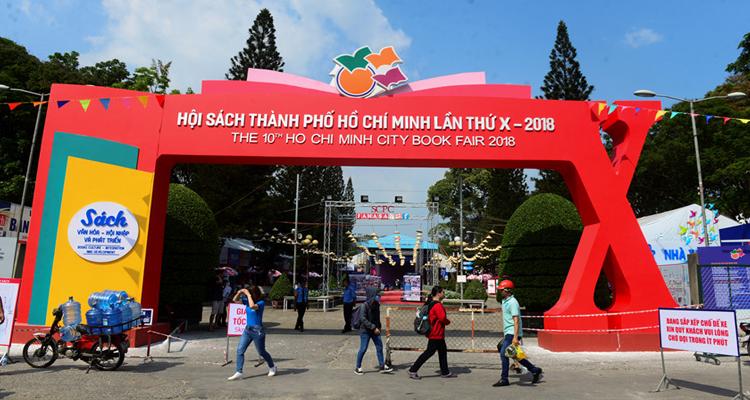 Công viên Lê Văn Tám - hội sách