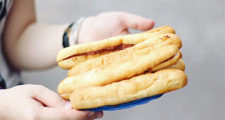 Đặc sản Hải Phòng - bánh mỳ que