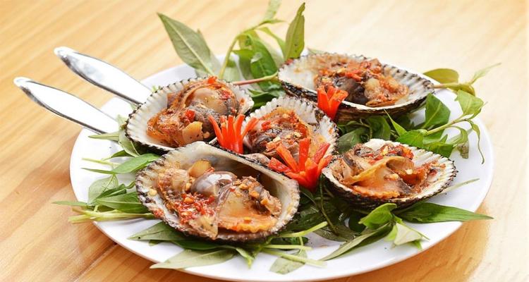 Đặc sản Phú Yên - sò huyết nướng