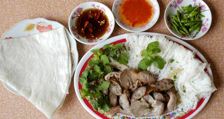 Đặc sản Phú Yên - bánh hỏi