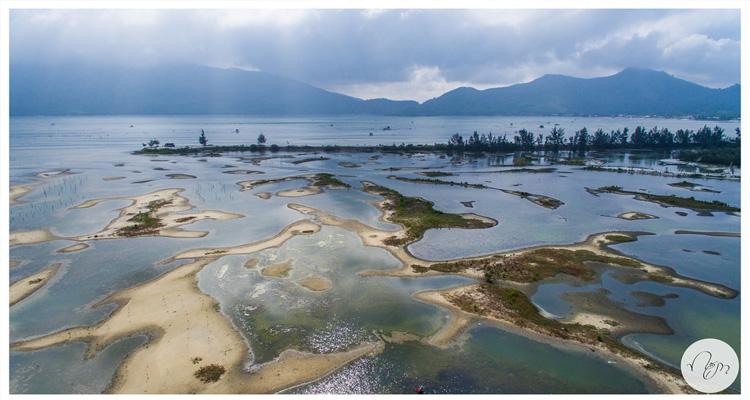 Đầm Lập An vẫn giữ được vẻ đẹp hoang sơ của thiên nhiên ban tặng