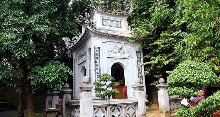 Đền Hùng Phú Thọ lăng Hùng Vương