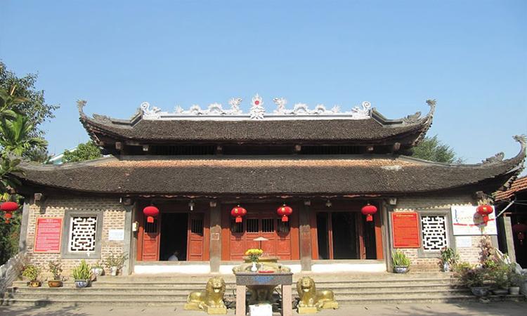 Đền mẫu Lào Cai - biên giới
