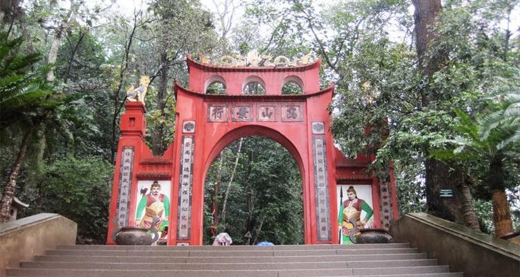 Giỗ tổ Hùng Vương nên đi đâu - đền hùng