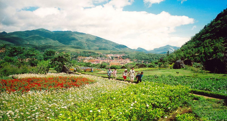 Giỗ tổ Hùng Vương nên đi đâu - núi