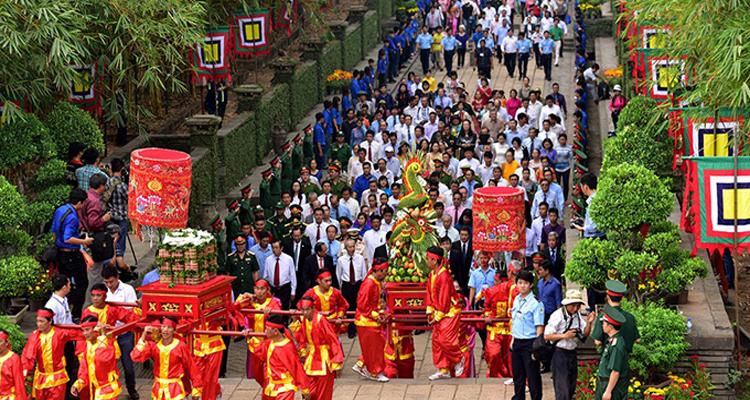 Giỗ tổ Hùng Vương nên đi đâu - tế lễ