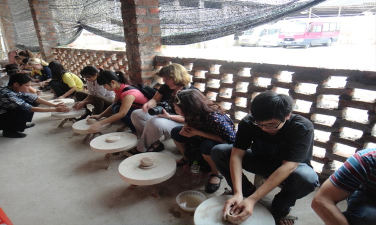 Du lịch gần Hà Nội - làm gốm