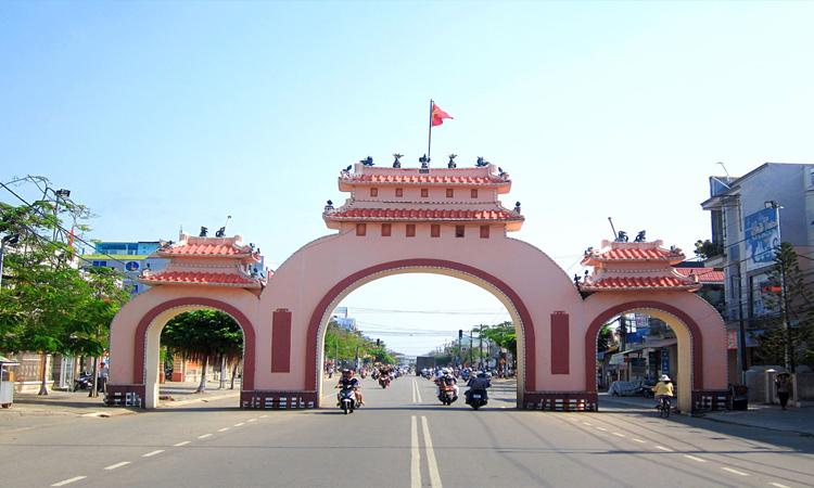 Du lịch Rạch Giá - cổng tam quan