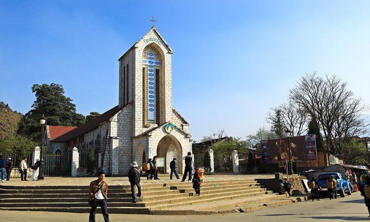 Du lịch Sapa - nhà thờ