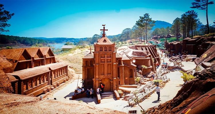 Đường hầm đất sét - Nhà thờ