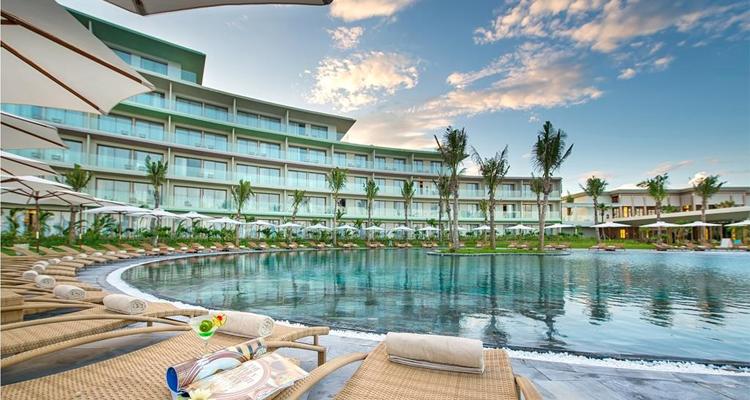 FLC Sầm Sơn - bể bơi