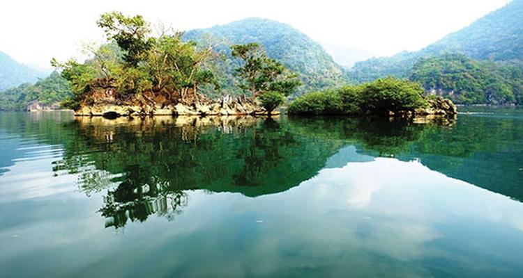 Du lịch Hồ Ba Bể vẻ đẹp