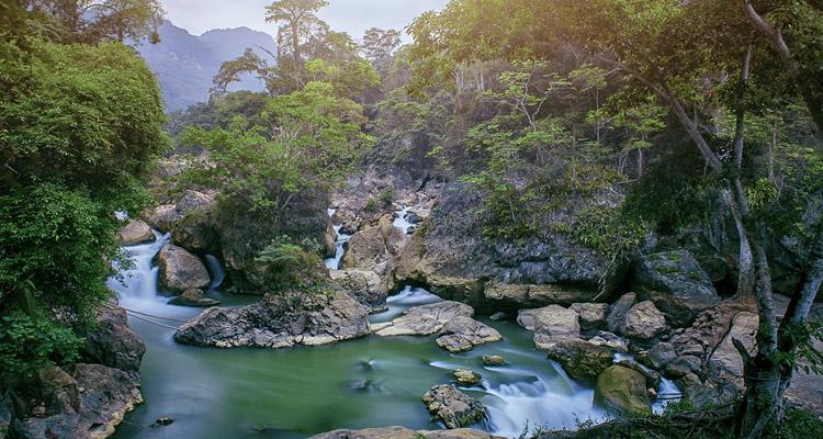 Du lịch hồ Ba Bể thác Đầu Đẳng