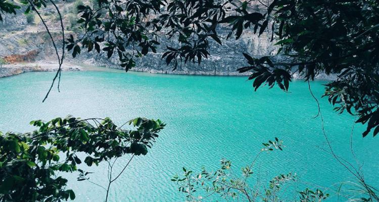 Hồ Đá Xanh 7