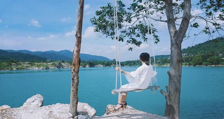 Hồ Đá Xanh 5