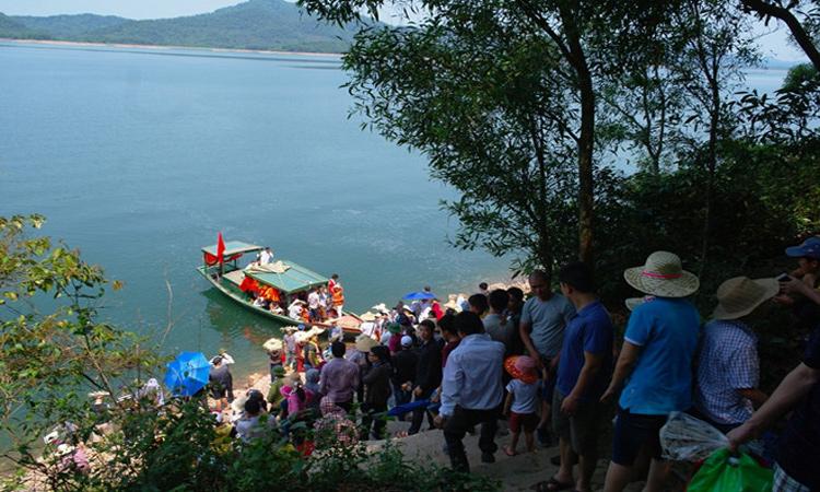 Hồ Kẻ Gỗ - tham quan