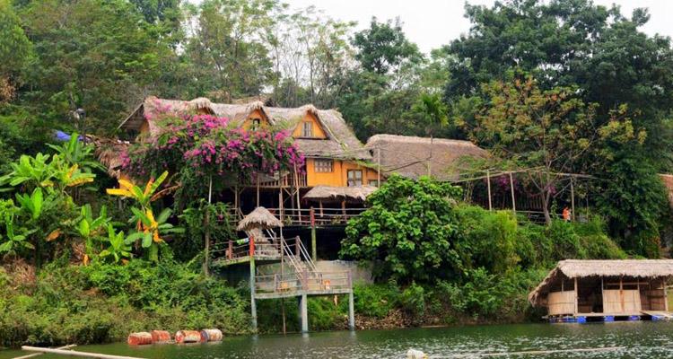 Hồ Thác Bà Yên Bái bản Ngòi Tu
