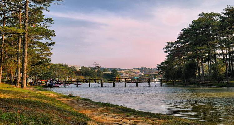 Hồ Than Thở - du lịch