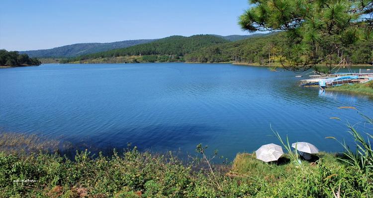 Hồ Tuyền Lâm - cảnh đẹp