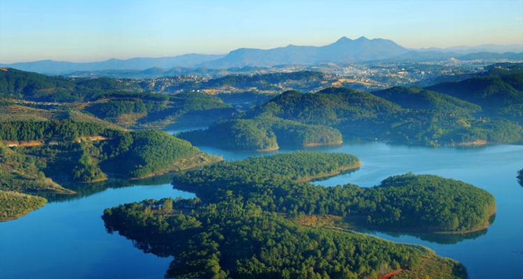 Hồ Tuyền Lâm - toàn cảnh