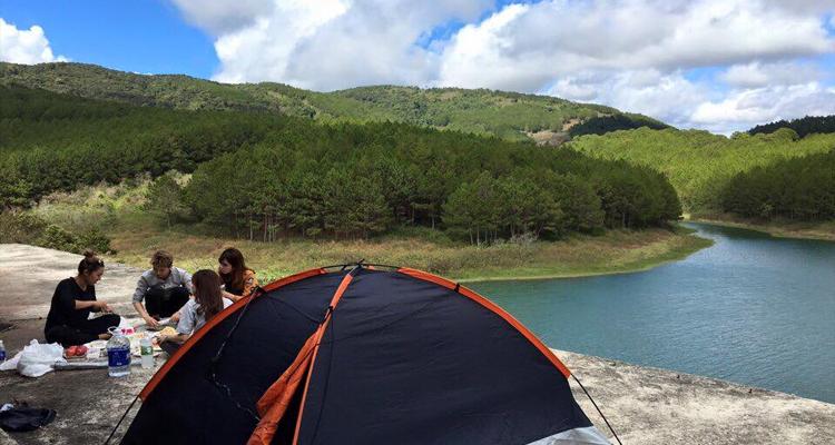 Hồ Tuyền Lâm - cắm trại