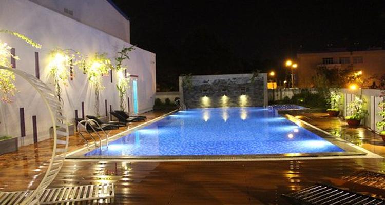 Khách sạn Cần Thơ - bể tắm