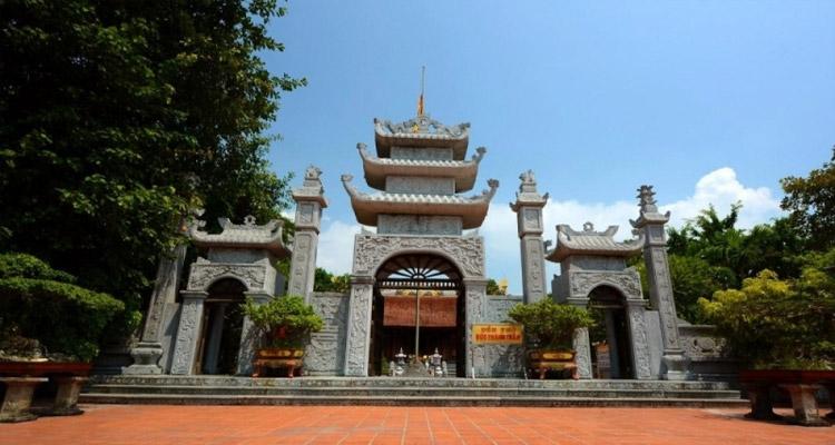 Khu di tích Bạch Đằng Giang