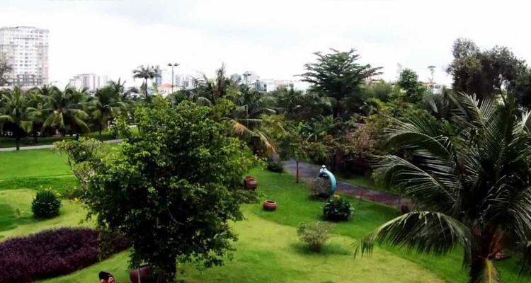 Khu du lịch Văn Thánh - cỏ xanh
