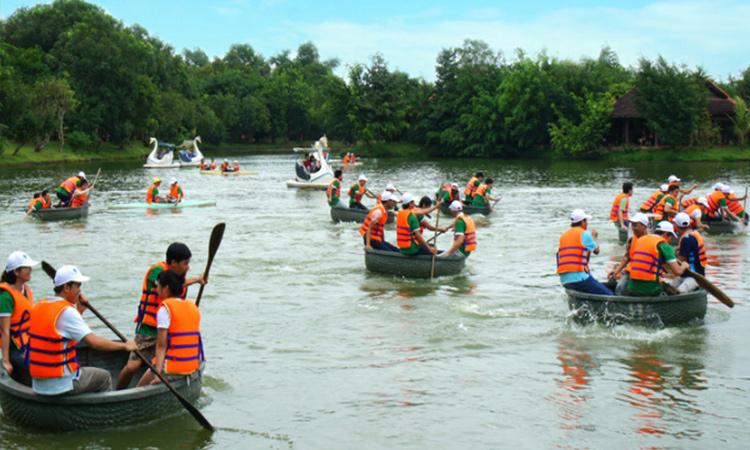 Khu du lịch Vườn Xoài - chèo thuyền