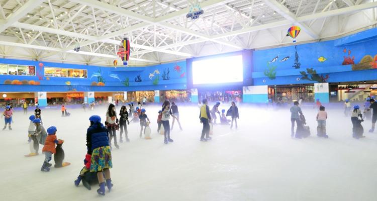 Khu vui chơi giải trí royal city ice rink