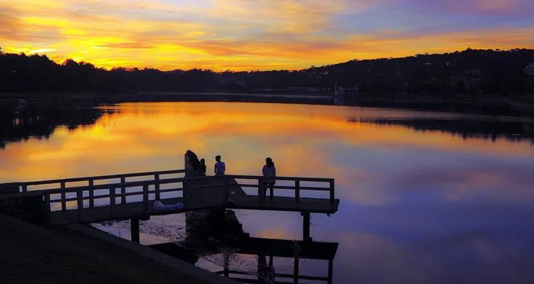 Kinh nghiệm du lịch Đà Lạt hồ xuân hương hoàng hôn
