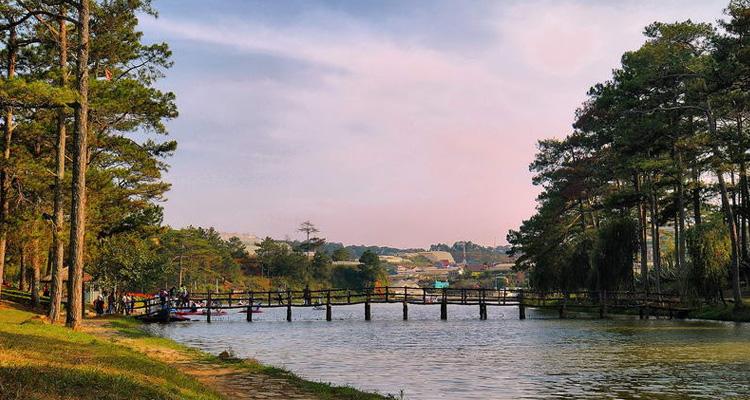 Kinh nghiệm du lịch Đà Lạt hồ than thở